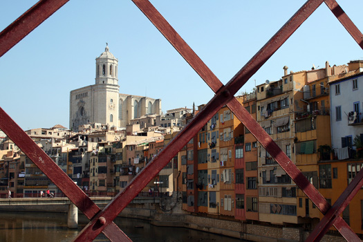 View from Pont de Sant Agustí, spanning the Riu Onyar in Girona